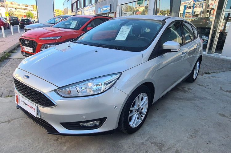 Ford Focus 1.5 TDCI 120 CV TREND PLUS
